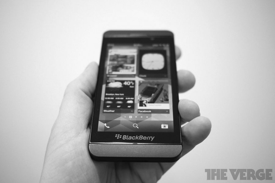 Blackberry+releases+devices+to+compete+in+smartphone+market