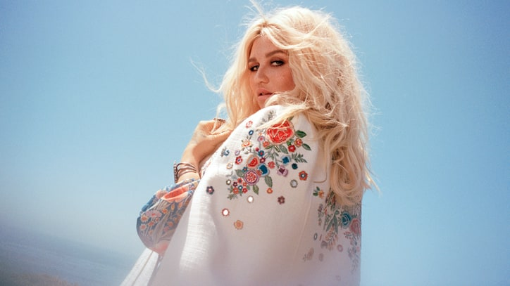 You+can+stop+%22Praying%2C%22+Kesha+is+back